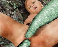 fantasy suites toledo iowa peek holes